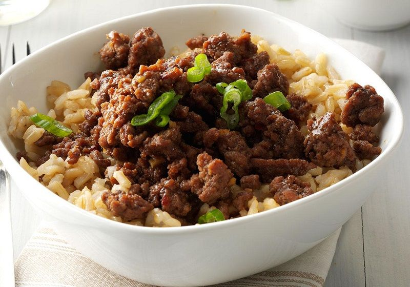"""</ """"برنج قهوهای با خورشت گوشت چرخکرده """"=jpg"""" alt.برنج-گوشت""""=img src>"""